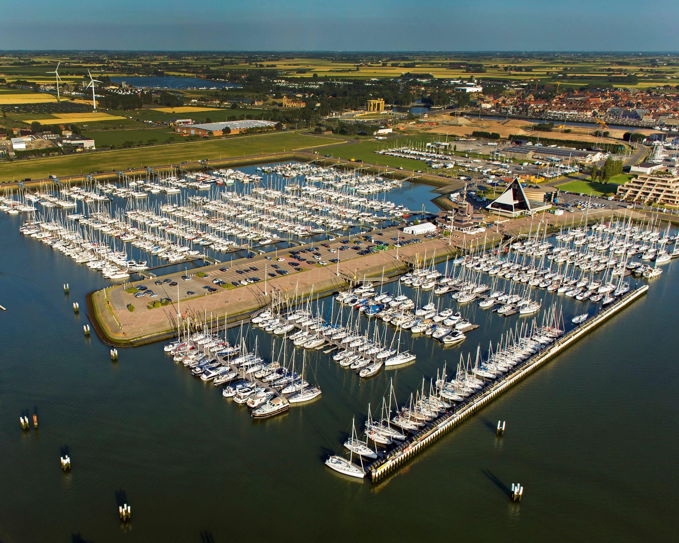 Ajax Spelers Kleurplaten.Belgian Boat Show Float Verhuist Naar Nieuwpoort Bootaanboot Nl